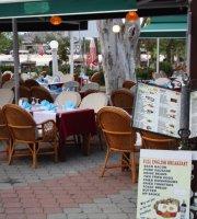 Happy Restaurant & Cafe Bar