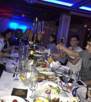 Cristal Restaurant & Lounge