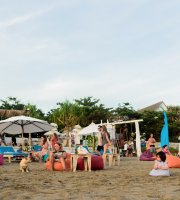 AR BOON The Beach Bar