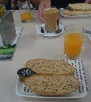 De La Mota Cafe