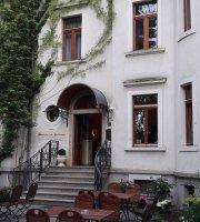 Maiwerts in der Villa Herzog
