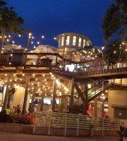 Norwood's Eatery & Bar Treehouse