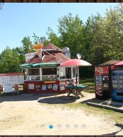 Sandy's Snack Shack at Geppetto's