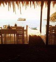Tavern Beach Bar Elia