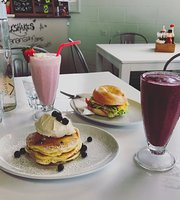 Pete & Paulz Breaky Bar