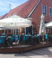Vivaldi Bistro & Cafe