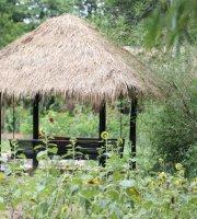 The Hut Natural