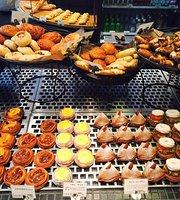 Boulangerie & Cafe Gout, Yotsuya 4 Chome