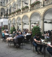 Restaurant Cafe Italian Courtyard
