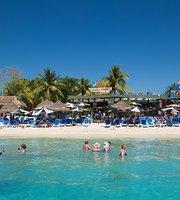 Carlos'n Charlie's Beach Club