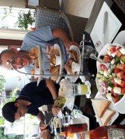 Grand Cafe'