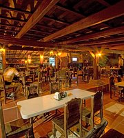 Restaurante & Licorera La Hacienda