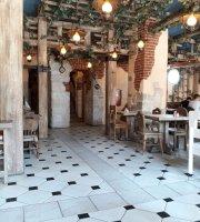 Cafe Mu-Mu