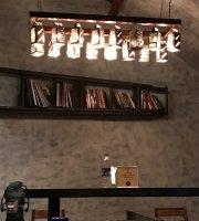 Abstrakt Bistro & Lounge