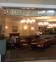 The River Roost Lounge