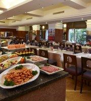 The Vivid Western Restaurant (Hotel Kuva Chateau)
