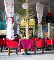 Lazur Cafe