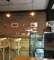 Isabel Cafe y Pasteleria