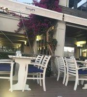 Boom Cafe Bar