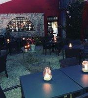 Officine Bocelli Food Court
