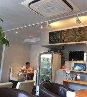 Umi Cafe
