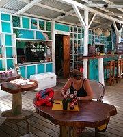 Playa Bluff Beach Restaurant