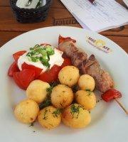 Muzzete Karaoke & Cafe