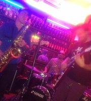 Rodney bar