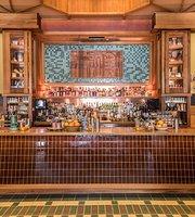 Rudolph's Bar & Tea at Freehand LA