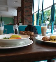 Sharlotta Cafe