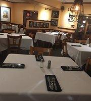 Breakwater Restaurant & Pub