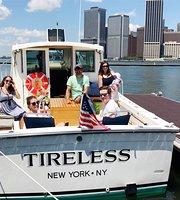 นั่งเรือเที่ยว