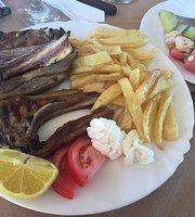 Oinohoos Cafe Taverna