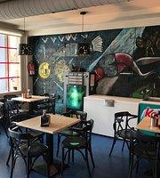 O Cafe De Manuela