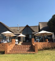 ‪Dining at Askari Game Lodge‬