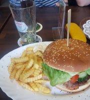AUSZEIT Restaurant - Bar