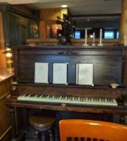 Chartreuse Restaurant & Longchamp Pub