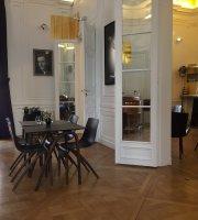 Cafe Harcourt by DALLOYAU