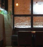 HQ Bar