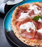 Pizza Massilia Sukhumvit