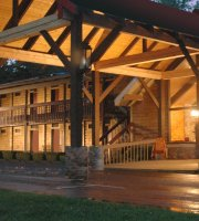 Smoky Falls Lodge