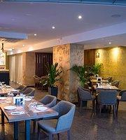 De Moss Cafe & Restaurant