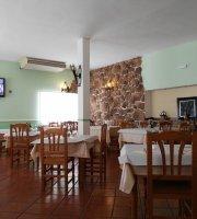 Hostal Restaurante Miralrio M&R