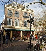 Cafe De Postillon