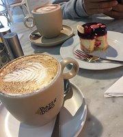 Cafe De Lucca