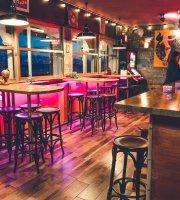 Flamingo's Beach Bar