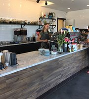 Daily Projects Coffee Bar & Eatery