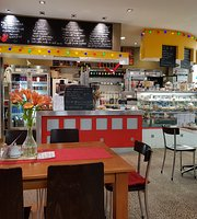 Red Monkey Cafe & Bar