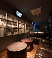 Shooting Cafe & Bar Arise