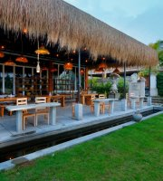 Puisi Tepi Sawah Restaurant